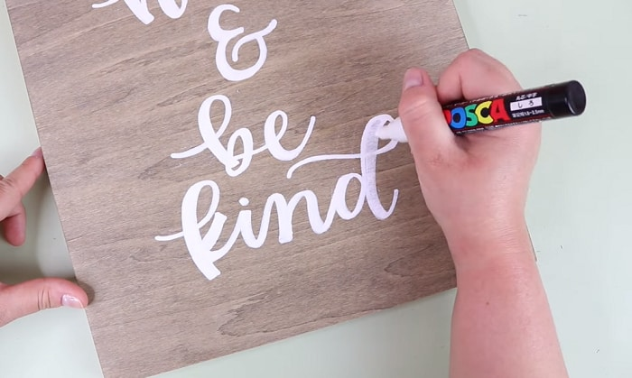 best-paint-markers-for-wood