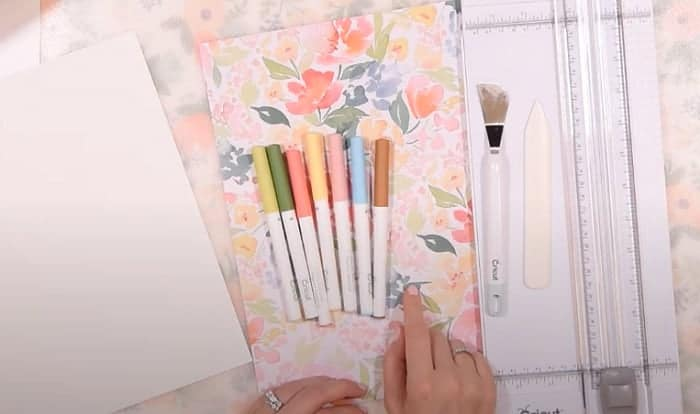 How-do-you-use-the-pens-on-the-Cricut-maker