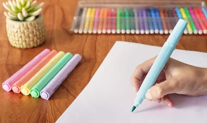 how to color with markers without streaks