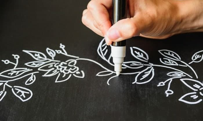 how to remove chalk marker from chalkboard