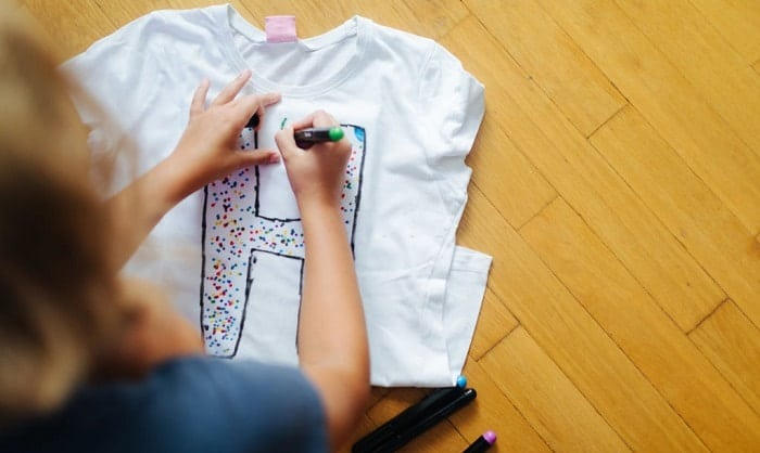 how to use fabric markers on t shirts